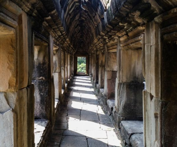 wood-building-alley-asia-temple-ruins-761012-pxhere.com